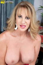 Annette wishes to check out you jack off