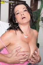 1990s big-tit star Betty Breasts rides some other time!